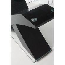 Обеденный стол на фигурном каркасе со стеклянной столешницей