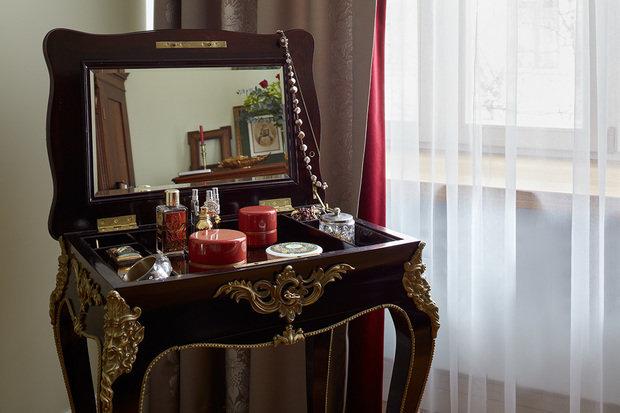 Фотография: Мебель и свет в стиле Классический, Эклектика, Квартира, Проект недели, Москва, Кирпичный дом, 4 и больше, Более 90 метров, Наташа Федосеева – фото на INMYROOM