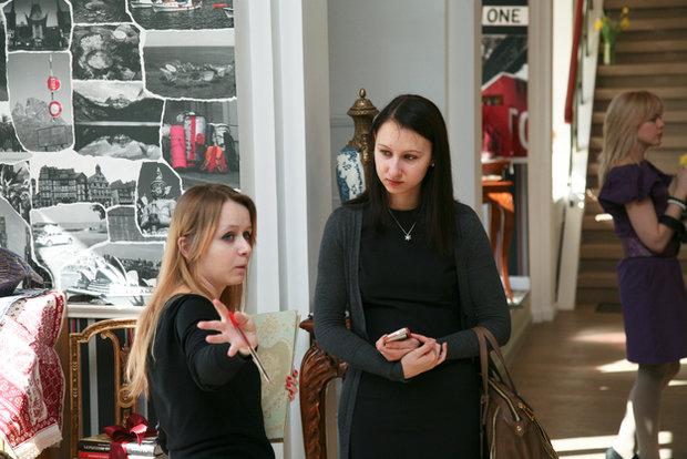 Фотография: Гостиная в стиле Классический, Современный, Текстиль, Индустрия, События, Ткани – фото на InMyRoom.ru