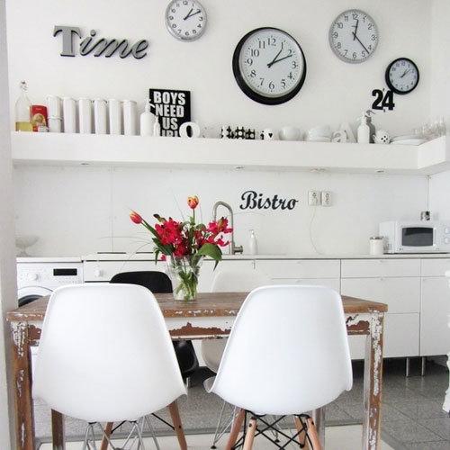 Фотография: Кухня и столовая в стиле Скандинавский, Современный, Декор интерьера, Часы, Декор дома – фото на InMyRoom.ru
