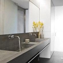 Фотография: Ванная в стиле Лофт, Дом, Цвет в интерьере, Дома и квартиры, Лондон, Серый, Индустриальный – фото на InMyRoom.ru