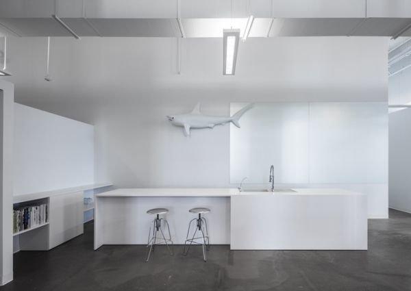 Фотография: Кухня и столовая в стиле Современный, Хай-тек, Офисное пространство, Офис, Дома и квартиры – фото на InMyRoom.ru