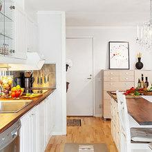 Фотография: Кухня и столовая в стиле Скандинавский, Интерьер комнат, Цвет в интерьере, Белый, Проект недели – фото на InMyRoom.ru