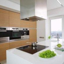 Фотография: Кухня и столовая в стиле Минимализм, Квартира, Цвет в интерьере, Дома и квартиры, Стены – фото на InMyRoom.ru