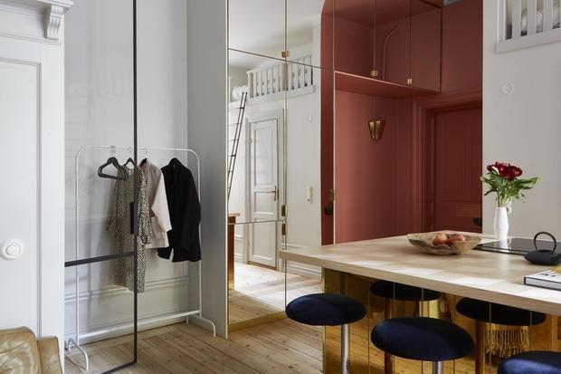 Фотография: Прихожая в стиле Эклектика, Скандинавский, Декор интерьера, Малогабаритная квартира, Квартира, Студия, Швеция, Стокгольм – фото на InMyRoom.ru