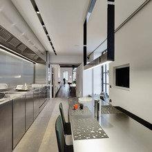 Фотография: Кухня и столовая в стиле Хай-тек, Лофт, Дом, Дома и квартиры – фото на InMyRoom.ru