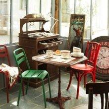 Фотография: Кухня и столовая в стиле Кантри, Современный, Эклектика, Стиль жизни, Еда, Сервировка стола, Сервиз – фото на InMyRoom.ru