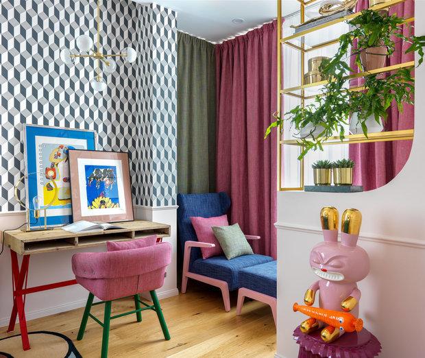 Фотография: Кабинет в стиле Современный, Эклектика, Ремонт на практике, как поклеить обои, обои в интерьере – фото на INMYROOM