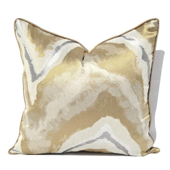 Декоративная подушка Magma золотистого цвета