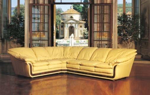 Nieri: Cornice: Итальянский кожаный раскладной угловой диван со скидкой 50% Цена снижена на единственный экземпляр в наличии!