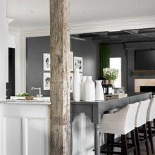 Фотография: Кухня и столовая в стиле Кантри, Скандинавский, Декор интерьера, Дизайн интерьера, Цвет в интерьере, Серый – фото на InMyRoom.ru