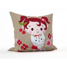 Подушка в детскую: Любительница кошек