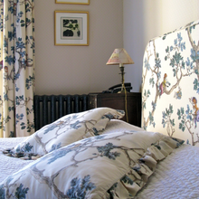 Фотография: Спальня в стиле Кантри, Дома и квартиры, Городские места – фото на InMyRoom.ru