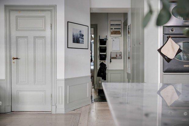 Фотография: Прихожая в стиле Скандинавский, Классический, Современный, Эклектика, Декор интерьера, Квартира, Швеция, Белый, Черный, Стокгольм, как оформить эклектичный интерьер, 3 комнаты, 60-90 метров – фото на InMyRoom.ru