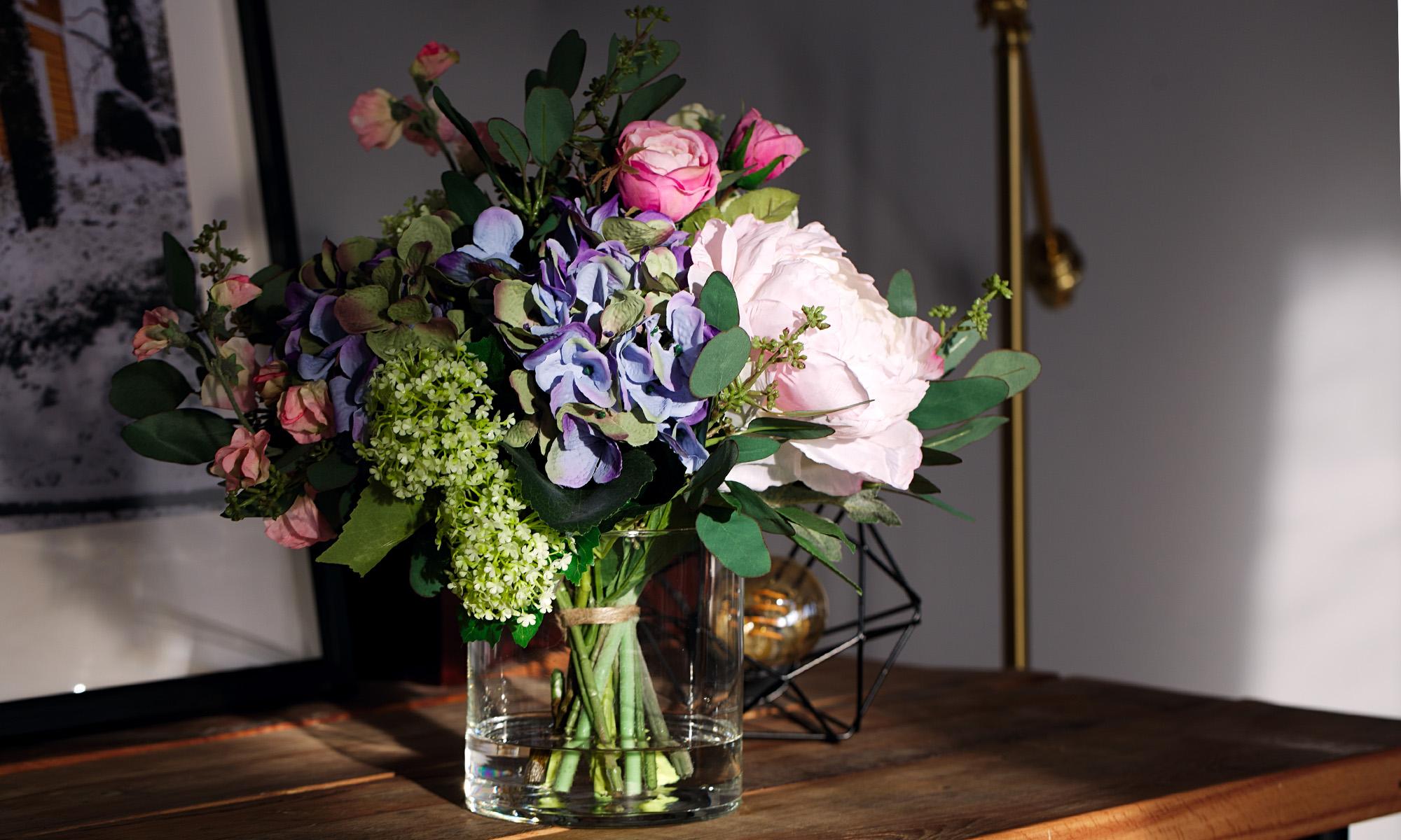 Купить Композиция из искусственных цветов - синяя гортензия, ранункулюсы, эвкалипт, пионы, inmyroom, Россия