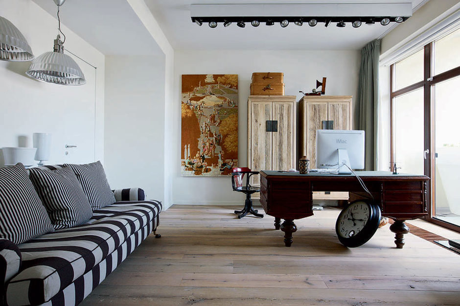 Фотография: Кабинет в стиле Лофт, Флористика, Декор, Интервью, Макс Лангу – фото на InMyRoom.ru