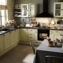 Фотография: Кухня и столовая в стиле Кантри, Интерьер комнат, Посуда – фото на InMyRoom.ru