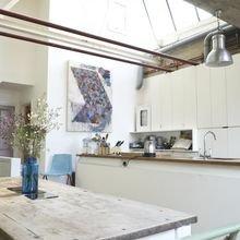 Фотография: Кухня и столовая в стиле Скандинавский, Лофт, Декор интерьера, Декор дома, Минимализм – фото на InMyRoom.ru