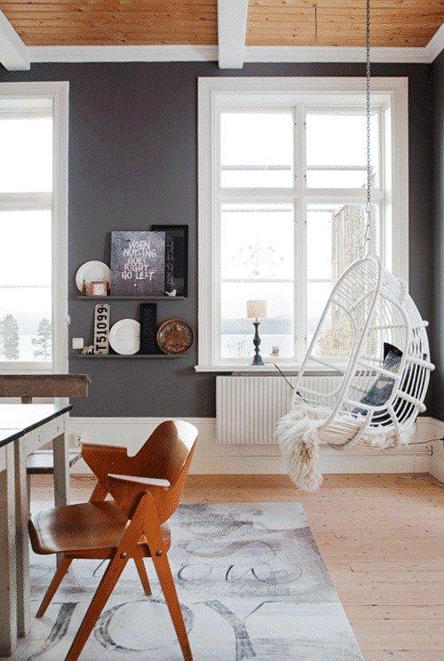 Фотография: Гостиная в стиле Скандинавский, Декор интерьера, Дизайн интерьера, Цвет в интерьере, Потолок – фото на InMyRoom.ru