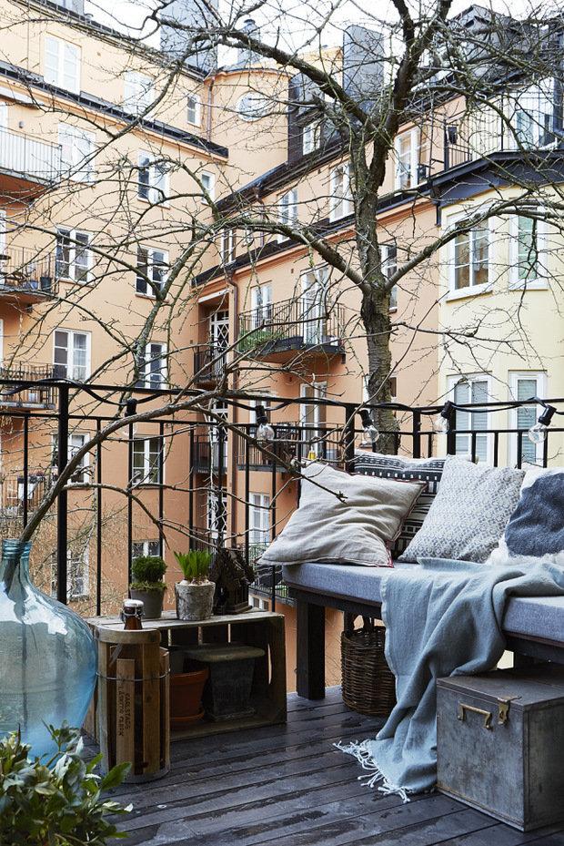 Фотография: Балкон в стиле Скандинавский, Декор интерьера, Малогабаритная квартира, Квартира, Мебель и свет – фото на InMyRoom.ru