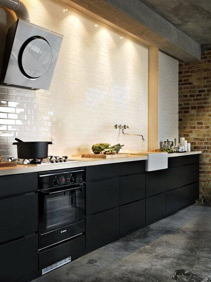 Фотография: Кухня и столовая в стиле Лофт, Декор интерьера, Дом, Декор дома, Плитка, Мозаика, Кухонный фартук – фото на InMyRoom.ru