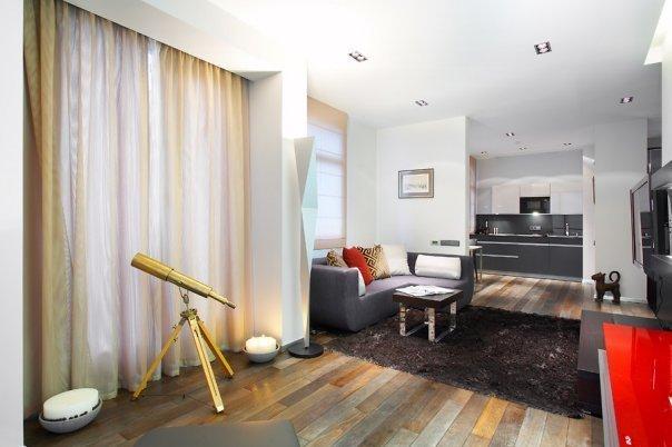 Фотография: Гостиная в стиле Минимализм, Декор интерьера, Квартира, Мебель и свет, Цвет в интерьере, Дома и квартиры – фото на InMyRoom.ru