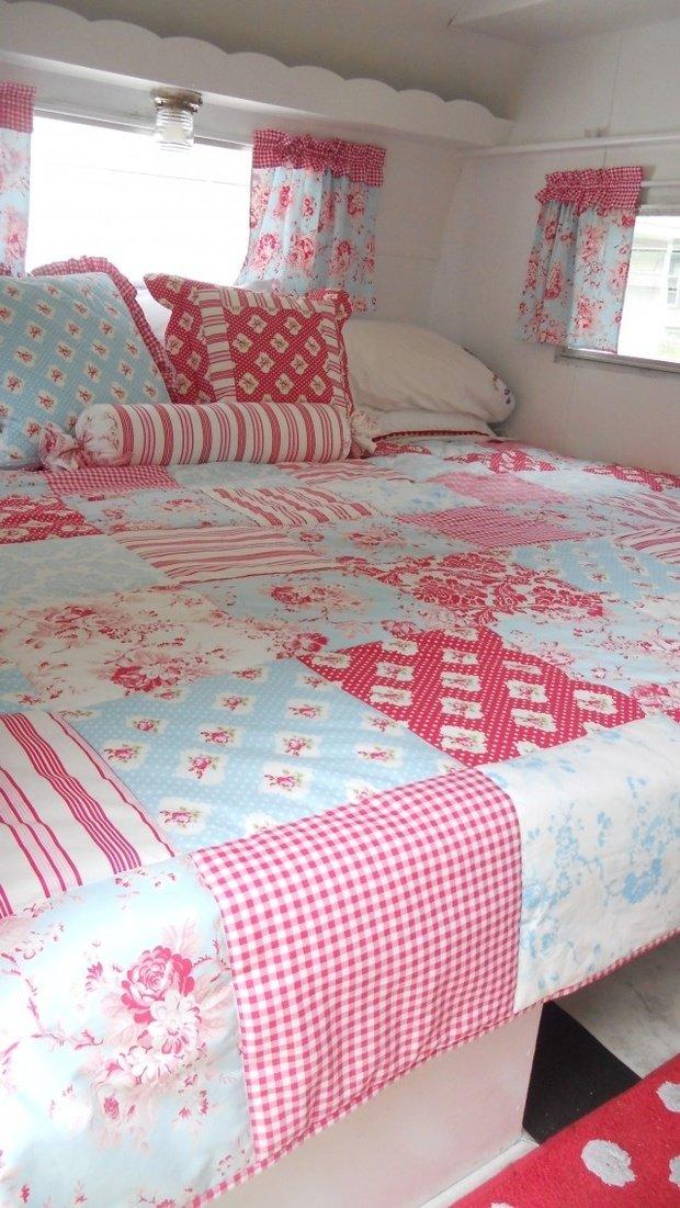 Фотография: Спальня в стиле Прованс и Кантри, Дом, Дома и квартиры, Дом на колесах – фото на InMyRoom.ru
