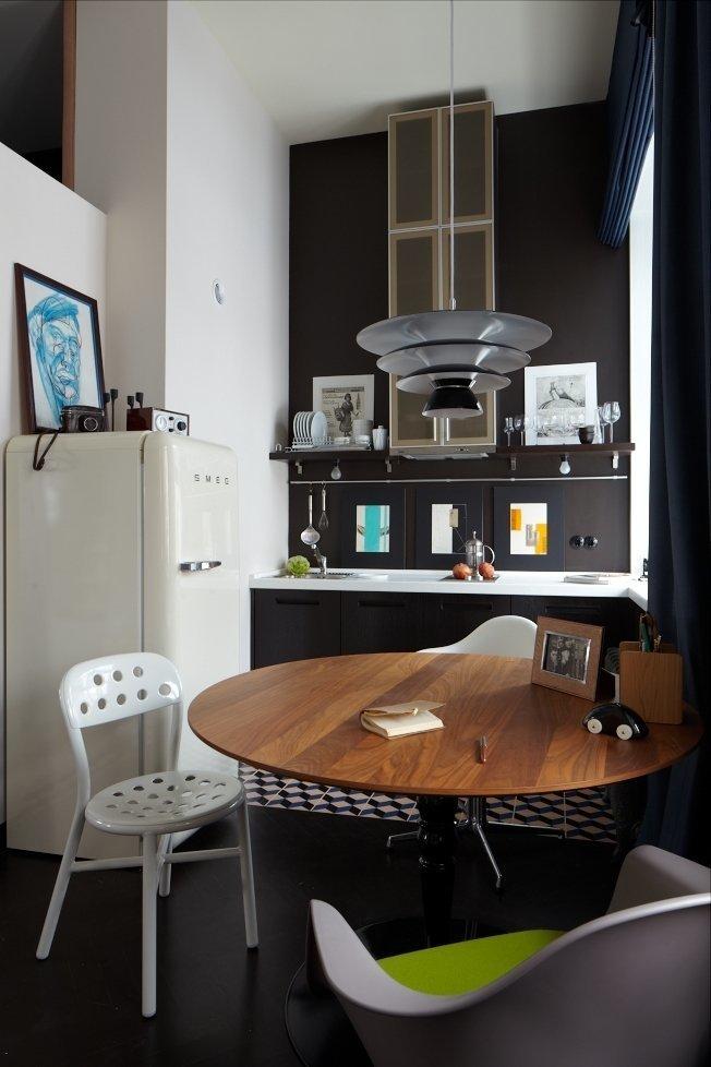 Фотография: Кухня и столовая в стиле Хай-тек, Малогабаритная квартира, Квартира, Студия, Дома и квартиры, Проект недели – фото на InMyRoom.ru