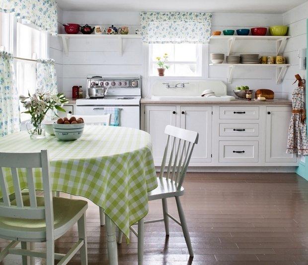 Фотография: Кухня и столовая в стиле Прованс и Кантри, Советы, Finish – фото на InMyRoom.ru