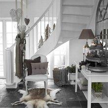 Фотография: Прихожая в стиле Скандинавский, Декор интерьера, Праздник, Новый Год – фото на InMyRoom.ru