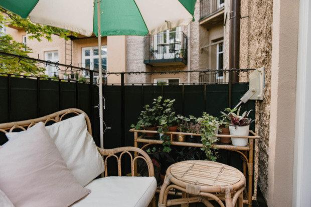 Фотография: Терраса в стиле Прованс и Кантри, Декор интерьера, Малогабаритная квартира, Квартира, Швеция, Синий, Серый, Розовый, 2 комнаты, до 40 метров – фото на INMYROOM