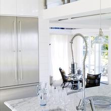 Фотография: Кухня и столовая в стиле Современный, Лофт, Декор интерьера, Декор дома, Стены – фото на InMyRoom.ru
