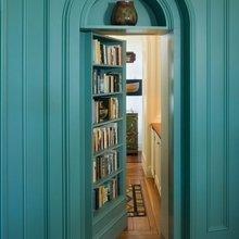 Фотография: Прихожая в стиле Кантри, Дом, Дома и квартиры, Двери – фото на InMyRoom.ru