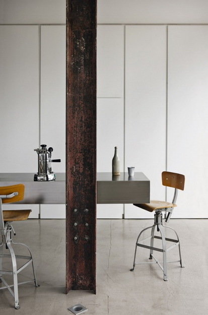 Фотография: Мебель и свет в стиле Лофт, Дом, Цвет в интерьере, Дома и квартиры, Лондон, Серый, Индустриальный – фото на InMyRoom.ru