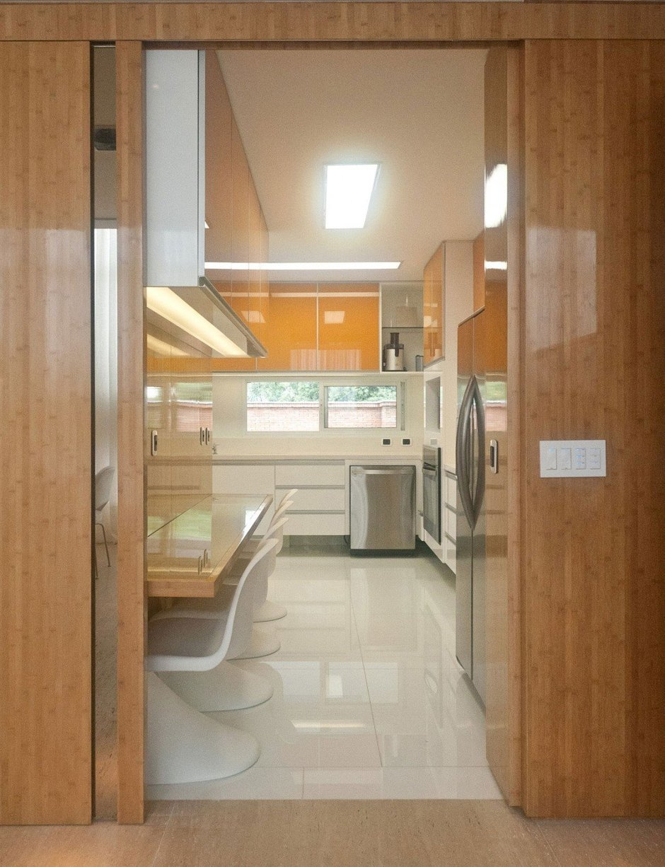 Фотография: Кухня и столовая в стиле Современный, Дом, Дома и квартиры, Бассейн – фото на InMyRoom.ru