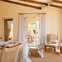 Фотография: Спальня в стиле Кантри, Дом, Испания, Дома и квартиры, Майорка – фото на InMyRoom.ru