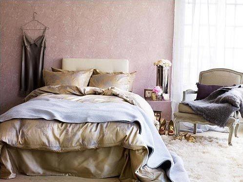 Фотография: Спальня в стиле Прованс и Кантри, Аксессуары, Мебель и свет, Советы, Ремонт на практике – фото на InMyRoom.ru