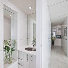 Фотография: Ванная в стиле Современный, Квартира, Цвет в интерьере, Дома и квартиры, Белый, Панорамные окна – фото на InMyRoom.ru