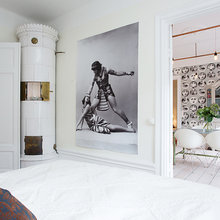 Фотография: Спальня в стиле Скандинавский, Квартира, Швеция, Цвет в интерьере, Дома и квартиры, Белый, Обои – фото на InMyRoom.ru
