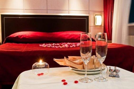 Фотография: Спальня в стиле Современный, Декор интерьера, DIY, Праздник, День святого Валентина – фото на InMyRoom.ru