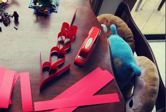 Фотография: Спальня в стиле Скандинавский, Декор интерьера, DIY, Праздник, День святого Валентина – фото на InMyRoom.ru