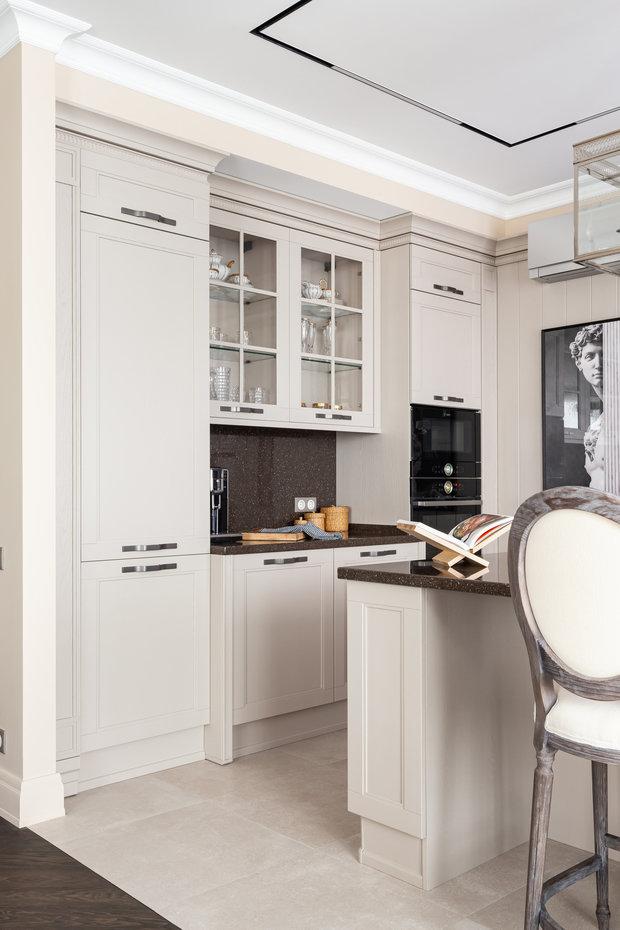 Фотография: Кухня и столовая в стиле Классический, Квартира, Проект недели, Москва, 3 комнаты, Более 90 метров, Ирина Межова – фото на INMYROOM
