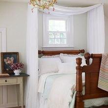 Фотография: Спальня в стиле Кантри, Декор интерьера, Текстиль, Советы, Шторы, Балдахин – фото на InMyRoom.ru