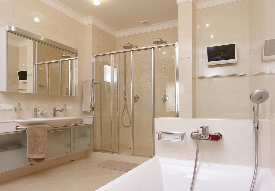 Фотография: Ванная в стиле Современный, Квартира, Цвет в интерьере, Дома и квартиры, Белый, Минимализм – фото на InMyRoom.ru