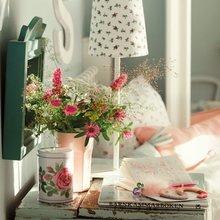 Фотография: Аксессуары в стиле Кантри, Спальня, Мебель и свет, Советы, Ремонт на практике – фото на InMyRoom.ru