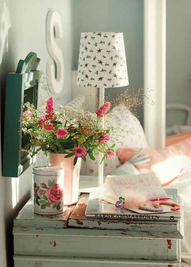 Фотография: Аксессуары в стиле Прованс и Кантри, Спальня, Мебель и свет, Советы, Ремонт на практике – фото на InMyRoom.ru