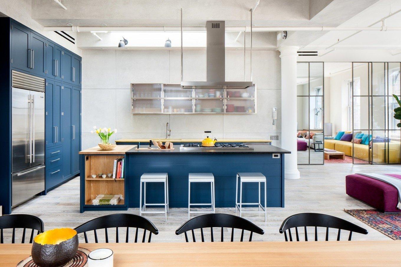 Кухня цвета индиго