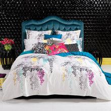 Фотография: Спальня в стиле Кантри, Декор интерьера, Дизайн интерьера, Цвет в интерьере, Текстиль – фото на InMyRoom.ru