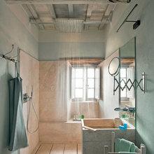 Фотография: Ванная в стиле Кантри, Цвет в интерьере, Дома и квартиры, Городские места, Отель – фото на InMyRoom.ru