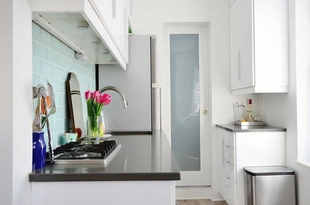 Фотография:  в стиле , Кухня и столовая, Перепланировка – фото на InMyRoom.ru